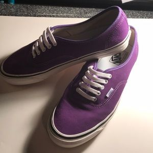 Vans X Urban Outfitters exclusive Authentic style